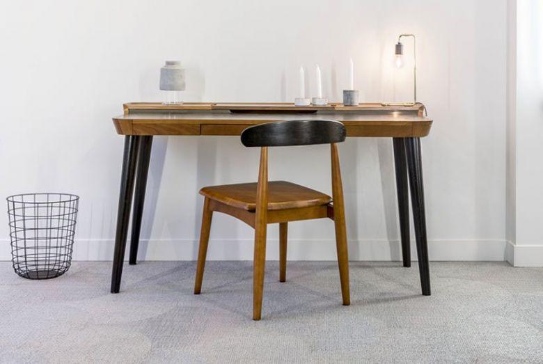 Bureau Otsu en Bois Design
