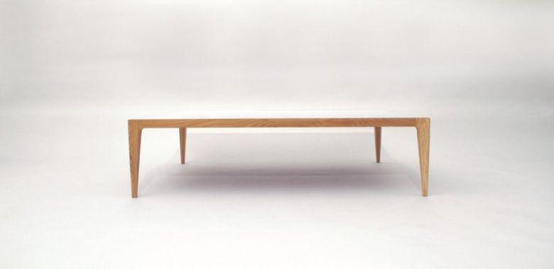 Table Basse Design Ligne en Bois de Chêne Massif - Plateau Verre Blanc